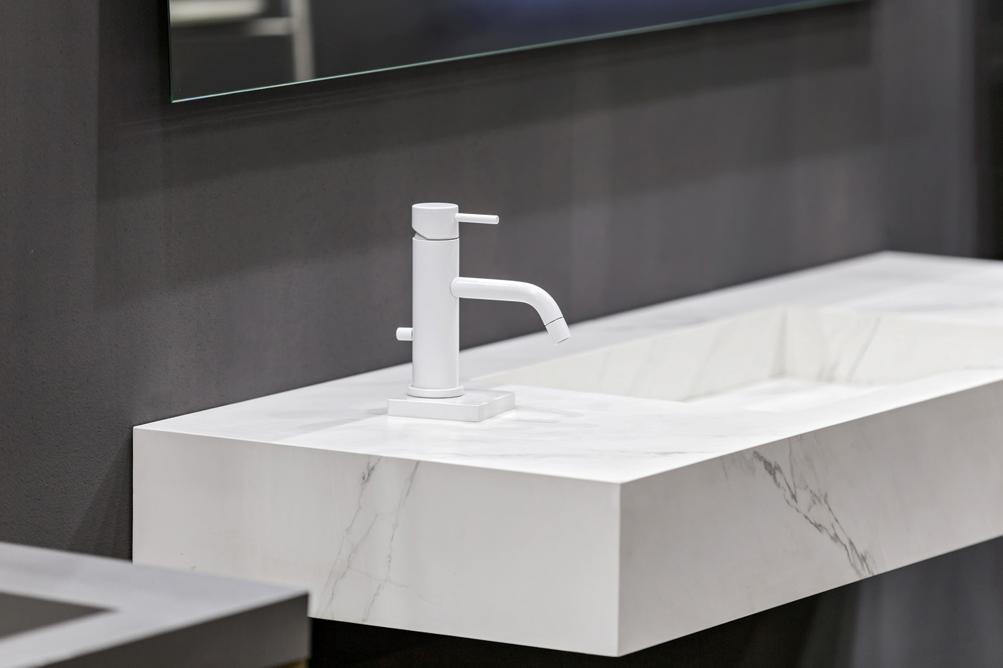 lavabo en marbre blanc Périgueux